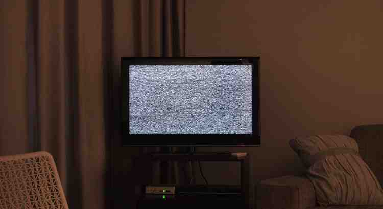 Comment regarder la télé dans une pièce sans prise d'antenne ?