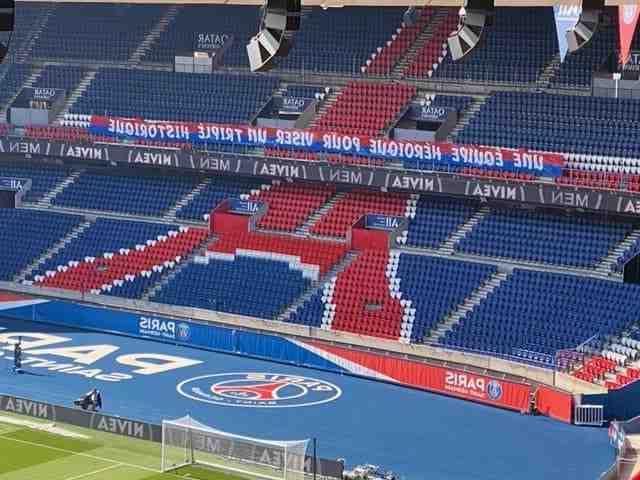 22:45 - But pour le Paris Saint-Germain (4-0) !