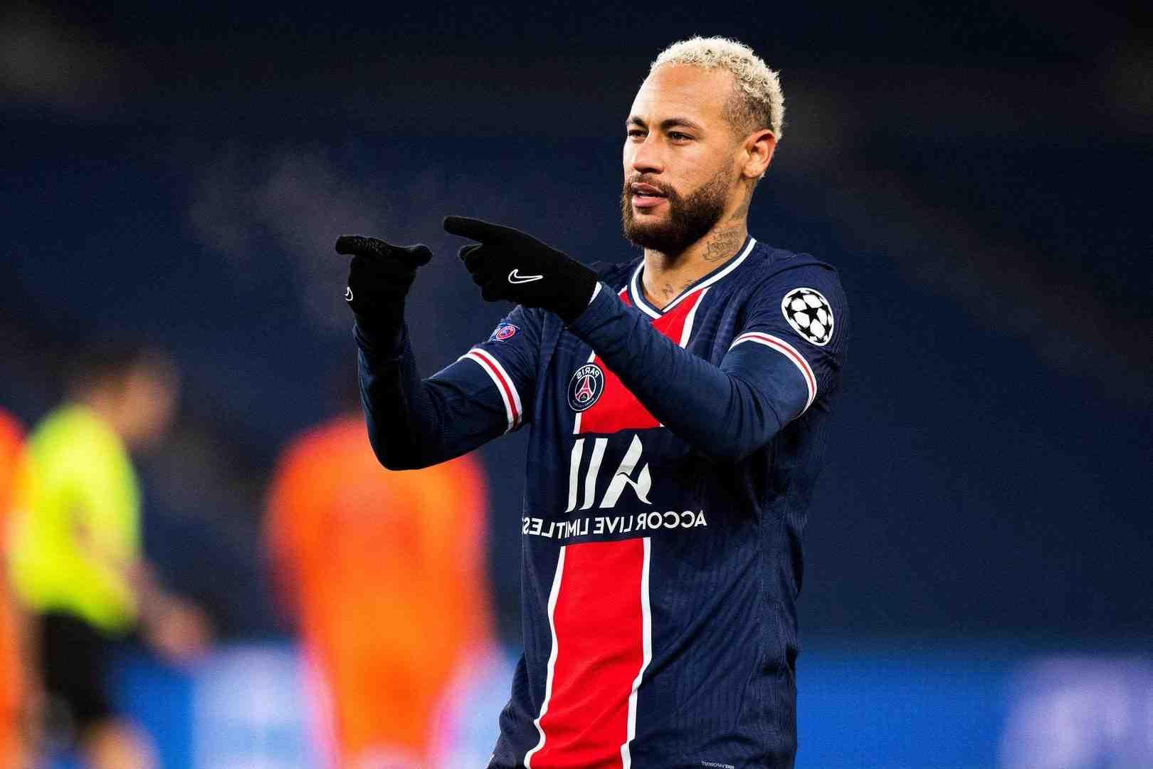 Le Paris Saint-Germain séduit par Gharbi !